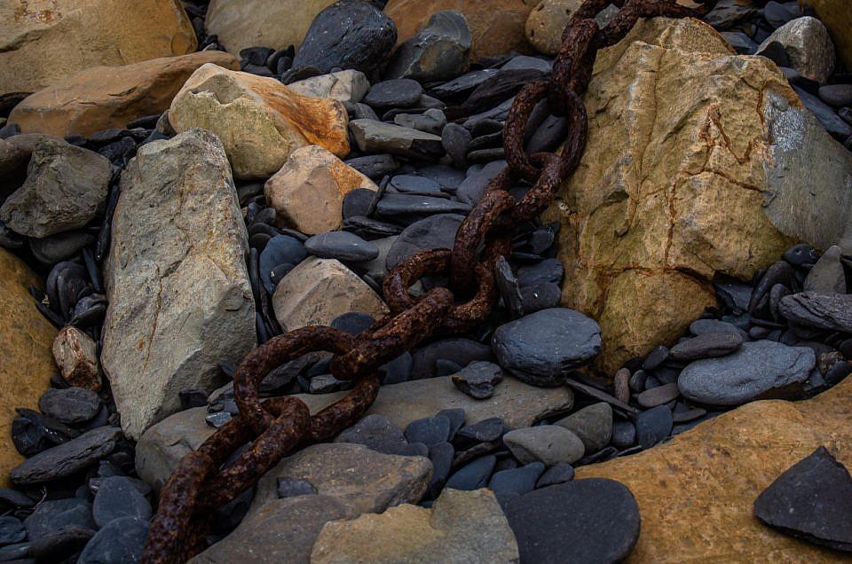 Rusty Chain Dorset Beach